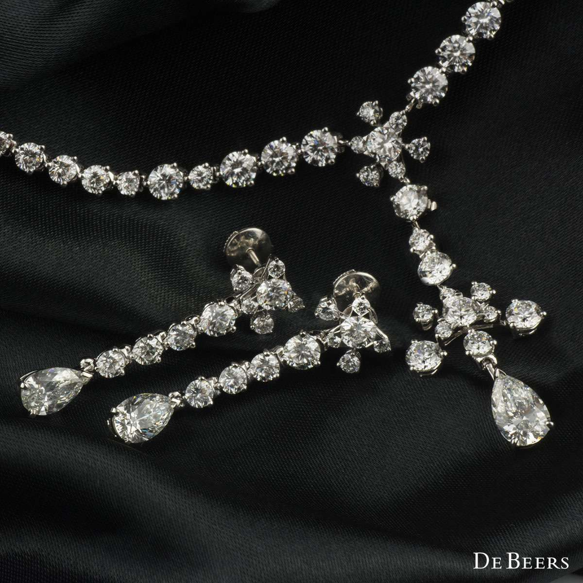 De Beers Lea Diamond Necklace and Earring Suite 19.68ct